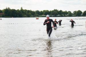 441 so medien triathlon 20171 300x200 - Löwen beim Grotegaste-Triathlon 8.-9. Juli 2017