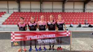 Teamfoto 300x169 - Teamfoto Triathlöwen Bremen